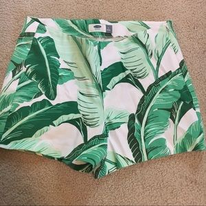 Banana leaf/Tropical print shorts